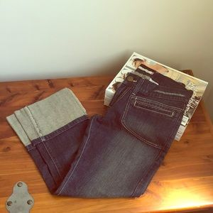 Levi's - Rolled Cuff Peddle Pushers - NWOT